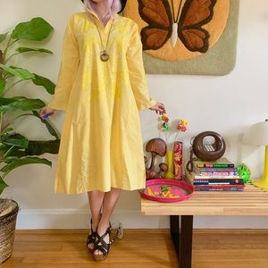 Vintage 70s embroidered yellow caftan S-M
